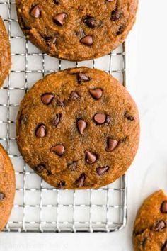 Chocolate Granola, Chocolate Chip Oatmeal, Healthy Chocolate, Chocolate Treats, Chocolate Hazelnut, Healthy Carrot Cakes, Healthy Cookies, Healthy Pumpkin, Vegan Pumpkin