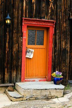 Røros, Sør-Trøndelag, Norway Portal, Orange Door, Unique Doors, Entrance Gates, Closed Doors, Doorway, Door Knobs, Windows And Doors, Architecture Details
