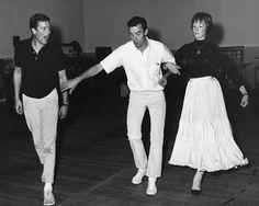 Dick Van Dyke, choreographer Marc Breaux, and Julie Andrews rehearsing