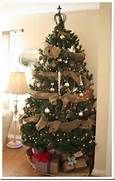 Burlap garland to decorate a Christmas tree! It's cheap and cute :) I ...
