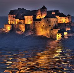 Burghausen Castle Germany- Need to see this on the next trip