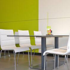Pause und Aufenthaltsraum by kühnle'waiko #office #furniture #workspace #interior #design #table