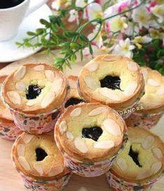 Bread Recipes, Snack Recipes, Snacks, Bolu Cake, Pie Brownies, Coconut Tart, Resep Cake, Recipe Details, Bagel