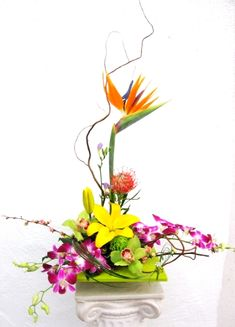 Rikka style Ikebana Ikebana Flower Arrangement, Flower Arrangements, Ancient Art, Japanese Art, Glass Vase, Create, Flowers, Plants, Style