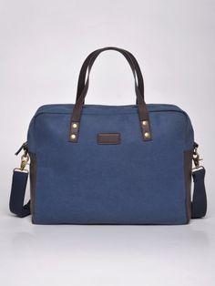 Torba męska Top Secret z kolekcji wiosna lato 2014. <br> Duża, pojemna torba, zapinana na suwak. Posiada pasek do noszenia na ramię. Idealna do pracy czy na co dzień, może służyć jako torba na laptopa.