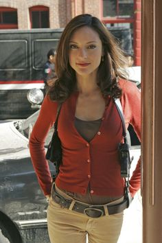 "Lola Glaudini (as Elle Greenaway, Supervisory Special Agent) in ""Criminal Minds"" (TV Series)"