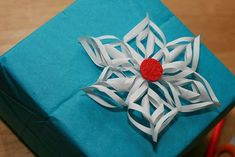 Craft Critique: Craft product reviews, crafty news and crafting events!: Crafty Holiday Gift Wrap