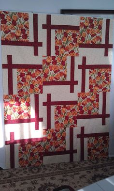 Pattern: BQ2 (Maple Island Quilts), fabric: Tulip Festival by Benartex