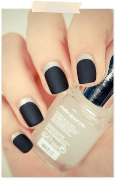 Black & Silver matte nails
