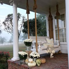 The right front porch design can surely add lots of appeal and extra outdoor living space. To help you design your porch, we have front porch ideas to inspire. Farmhouse Porch Swings, Farmhouse Front Porches, Farmhouse Landscaping, Porch Bed, Southern Porches, Side Porch, Rustic Farmhouse, Farmhouse Style, Swing Design