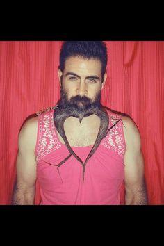 Mr. Incredibeard et ses sculptures sur barbe insolites sur Instagram - L'Express