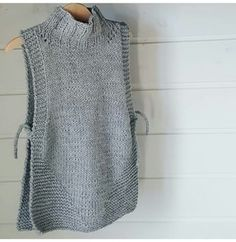 18 stunning yet simple garter stitch knitting patterns – Artofit Knit Vest Pattern, Knitting Patterns, Knitting Stitches, Crochet Poncho, Knit Crochet, Diy Crafts Knitting, Long Sweaters For Women, Knit Fashion, Knitting Designs