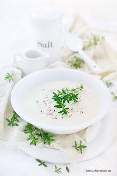 Suppen Rezepte: Leckere Sauerkrautsuppe, die schnell und einfach gekocht ist. #lowcarb #vegetarisch #suppe #deutsch
