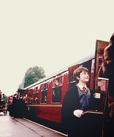 harry potter, hogwarts, and train Bild Harry James Potter, Saga Harry Potter, Mundo Harry Potter, Theme Harry Potter, Harry Potter Aesthetic, Harry Potter Universal, Harry Potter World, Fans D'harry Potter, Must Be A Weasley
