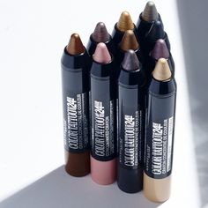 Get glam on the go with Maybelline Color Tattoo Crayon. Experiment with the collection of 10 playful, concentrated shades for a range of looks. Go for smokey with 'Charcoal Chrome' or get metallic with 'Bronze Truffle'. Highlight with 'Gold Rush' or line with 'Lavish Lavender'. The formula stays put all day for long wearing vibrance.