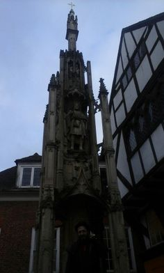The butter cross.It was built in the Middle Age and it  exaltes the importance of trade under King Alfred' s reign