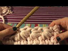 (44) Вязание крючком из трикотажной пряжи. Клатч с цветочным узором - YouTube