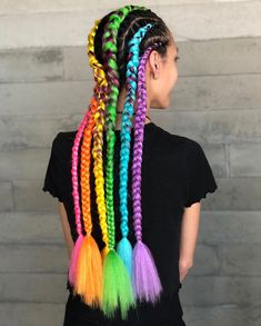 LIGHTNING IN A BOTTLE ⚡️🌈⚡️ Thanks @sabrinalopentz for giving me creative freedom with these braids and letting me play! 💖 #quieroalgosimilar