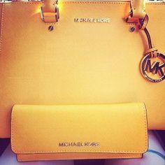 michael kors cheap bags http://queenstormsfashion.blogspot.com/