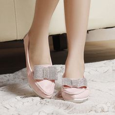 Find More Women's Flats Information about British Style Solid Color Oxfords Women Casual Pointed Bowtie Diamond Shoes Korean shallow mouth sapatos feminino,High Quality Women's Flats from Fashion Boutique Discount Stores on Aliexpress.com