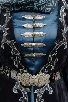 принт how should a denim jacket fit a woman - Woman Denim Jacket Style Steampunk, Character Inspiration, Style Inspiration, The Grisha Trilogy, Yennefer Of Vengerberg, Cosplay, Mode Hijab, Belts For Women, Larp
