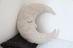 moon cushion junkaholique.com