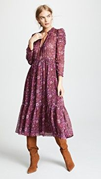 In case you also prolonged becoming a hippies spirit, make sure you know all the principles and style suggestions on how to put on the boho-chic style trend! Fashion Now, Girls Fashion Clothes, Boho Fashion, Autumn Fashion, Fashion Dresses, Fashion Design, Look Boho, Bohemian Style, Boho Chic
