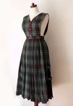 Vintage Dirndl Dress  1970's Plaid Dress  von PaperdollVintageShop, €29,90
