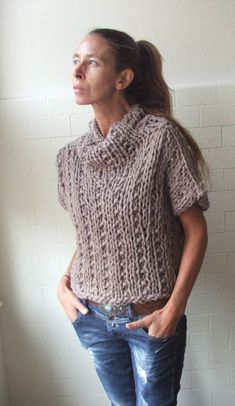 Sleeveless 'Get your Chunk on', bamboo mix chunky sweater in Mushroom