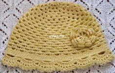 Вязание желтая ажурная летняя детская шапочка - крючком