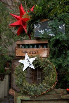 Adventskränze und Weihnachtsdeko in München bei Isolde Rieser Blumen... ©Designchen