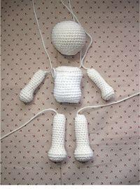 FREE Crochet Doll Patterns (Free Crochet Patterns and Tutorials to Crochet a Doll) free crochet doll patterns easy crochet doll patterns free the best crochet dolls and crochet doll tutorials basic amigurumi doll pattern :) What is amigurumi? Crochet Simple, Cute Crochet, Crochet Baby, Crochet Pillow, Knit Crochet, Crochet Amigurumi, Amigurumi Doll, Crochet Toys, Easy Crochet Animals