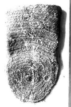 """Eldterpung"", nålebindingsarbeid i ull. Græslimoen gård, Tydal, Sør-Trøndelag (""the reported purse"", nalbound work in wool. Græslimoen farm, Tydal, Sør-Trøndelag)"