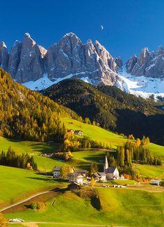Increíbles Dolomitas. Las montañas son para el verano o qué hacer en los Alpes italianos. #pueblos #Italia #montañas #viajes #travel #verano #vacaciones