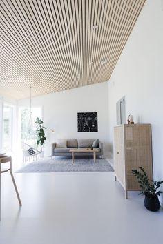 nice house interior dream homes Wood Slat Ceiling, Wood Slat Wall, Wooden Ceilings, Ceiling Wood Design, Wood Slats, Home Living Room, Living Spaces, Interior Architecture, Interior Design