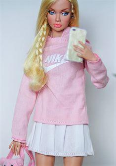 Barbie Life, Barbie World, Barbie Dress, Barbie Clothes, Realistic Barbie, Barbie Fashionista, Barbie Friends, Pretty Dolls, Famous Celebrities