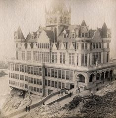 San Francisco Cliff House 1907. One of my favorite photos of this amazing hotel.