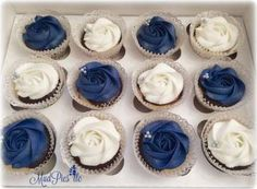 Wedding Cakes Navy Blue Silver Bridal Shower 16 Ideas For 2019 Blue Wedding Cupcakes, Navy Cupcakes, Navy Blue Wedding Cakes, Silver Cupcakes, Elegant Wedding Cakes, Elegant Cakes, Wedding Cake Designs, Wedding Blue, Marble Cupcakes