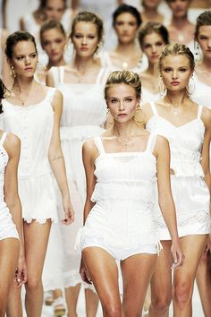 Dolce & Gabbana || Natasha Poly, Freja Beha Erichsen & Natasha Poly