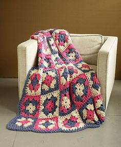 Ravelry: West Coast Granny Afghan / Afghan pattern by Lion Brand Yarn-super bulky; size S hook Granny Square Blanket, Granny Square Crochet Pattern, Afghan Crochet Patterns, Crochet Squares, Crochet Granny, Granny Squares, Crochet Home, Diy Crochet, Crochet Crafts