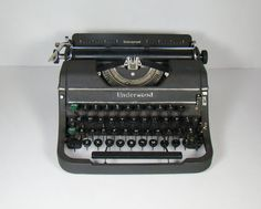 Antique typewriter  Underwood Universal  1940's by InUseAgain, $65.95 Learn To Type, Antique Typewriter, Vintage Office, Typewriters, Wonderful Things, Old World, 1940s, Antiques, Etsy