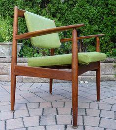 Jens Risom Green Tweed MCM Lounge Chair