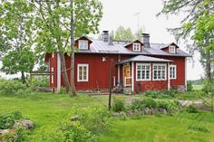 Red Cottage, Cottage Homes, Style At Home, Scandinavian Home, Home Fashion, Old Houses, Finland, Countryside, Villa