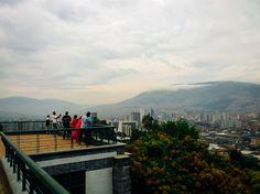 Medellín vista desde las alturas, foto tomada desde el mirador del Pueblito paisa, 2014.