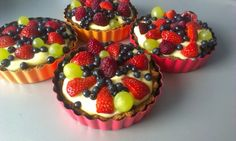 Tart with fruit