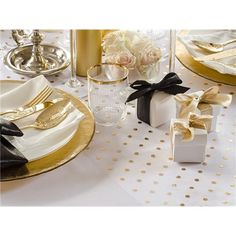 Organsaløper i hvit med dotsmønster i Gull metallic - x - Til Bryllupet Organza, Gold Dots, Gull, Metallica, Floral Design, Merry Christmas, Gift Wrapping, Place Card Holders, Table Decorations