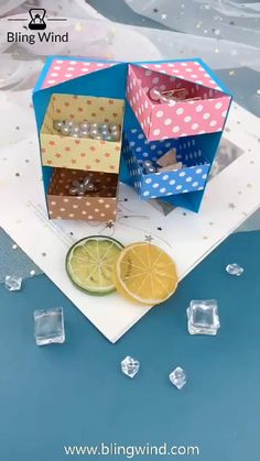 Cool Paper Crafts, Paper Crafts Origami, Origami Art, Diy Paper, Paper Art, Origami Jewelry, Paper Crafting, Diy Jewelry, Diy Crafts Hacks
