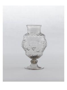 Vase sur pied à mufles de lion - Musée national de la Renaissance (Ecouen)