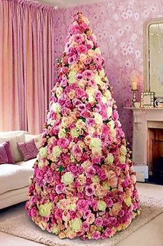 Paper Flowers.... very original Christmas tree...