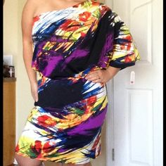 Plus size Jessica Simpson Tropical Splash Dress Off shoulder on right side, this is a FANTASTIC dress that would work for a variety of occasions Jessica Simpson Dresses One Shoulder